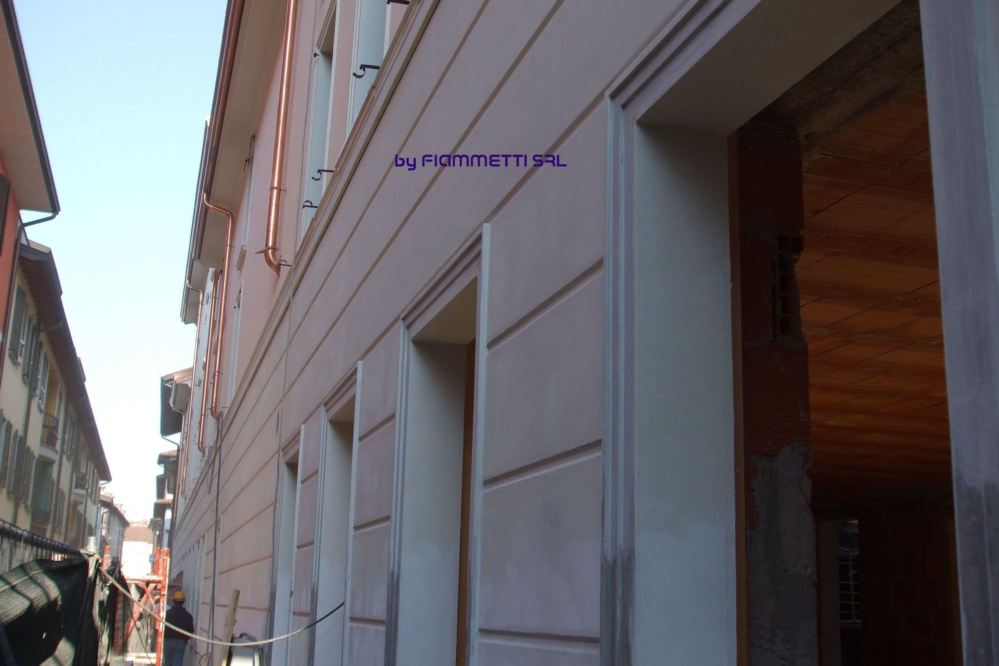 Decorazioni esterne facciata for Decorazioni per facciate esterne