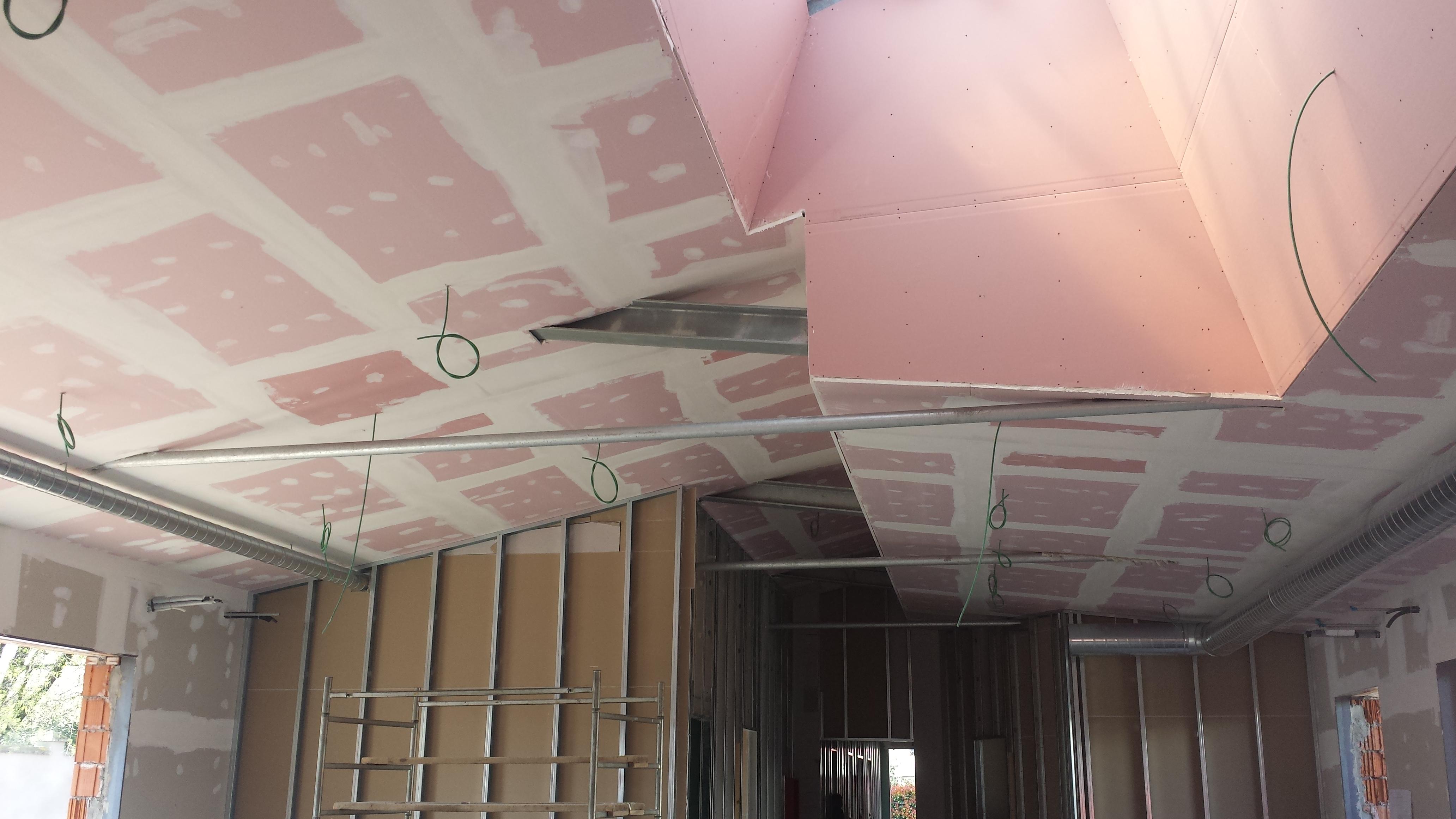Specchio lungo da parete - Decorazioni soffitto ...